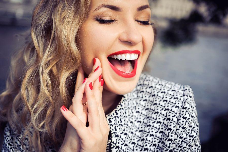 Si sufres de desgaste dental, en clínica dental Padrós disponemos del tratamiento de dientes desgastados. Tu clínica dental en Barcelona