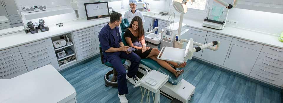 Los pacientes de Clínica Dental padrós en Barcelona pueden estar seguros que recibirán una gran experiencia clínica