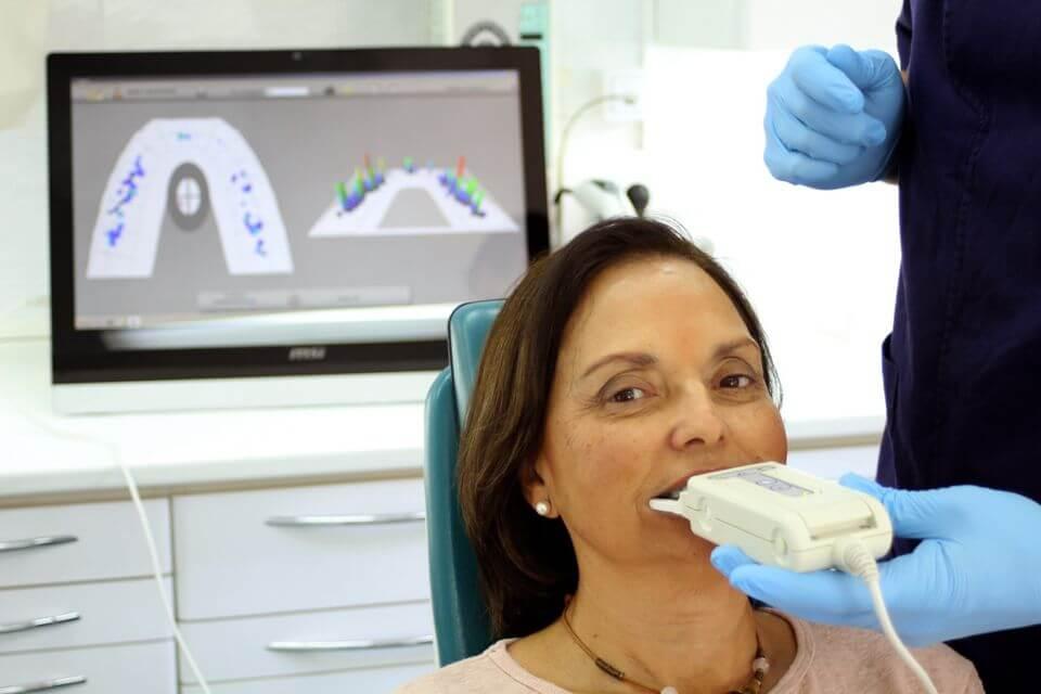 Tekscan registra la actividad masticatoria y muestra los contactos dentales durante los movimientos de mandíbula