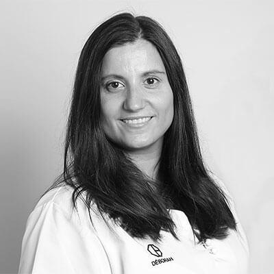 Deborah. Clínica Dental Padrós Paral·lel, tu dentista en Barcelona
