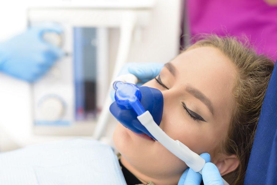 En clínica dental Padrós tenemos amplia experiencia en pacientes que sufren de miedo al dentista o fobia.